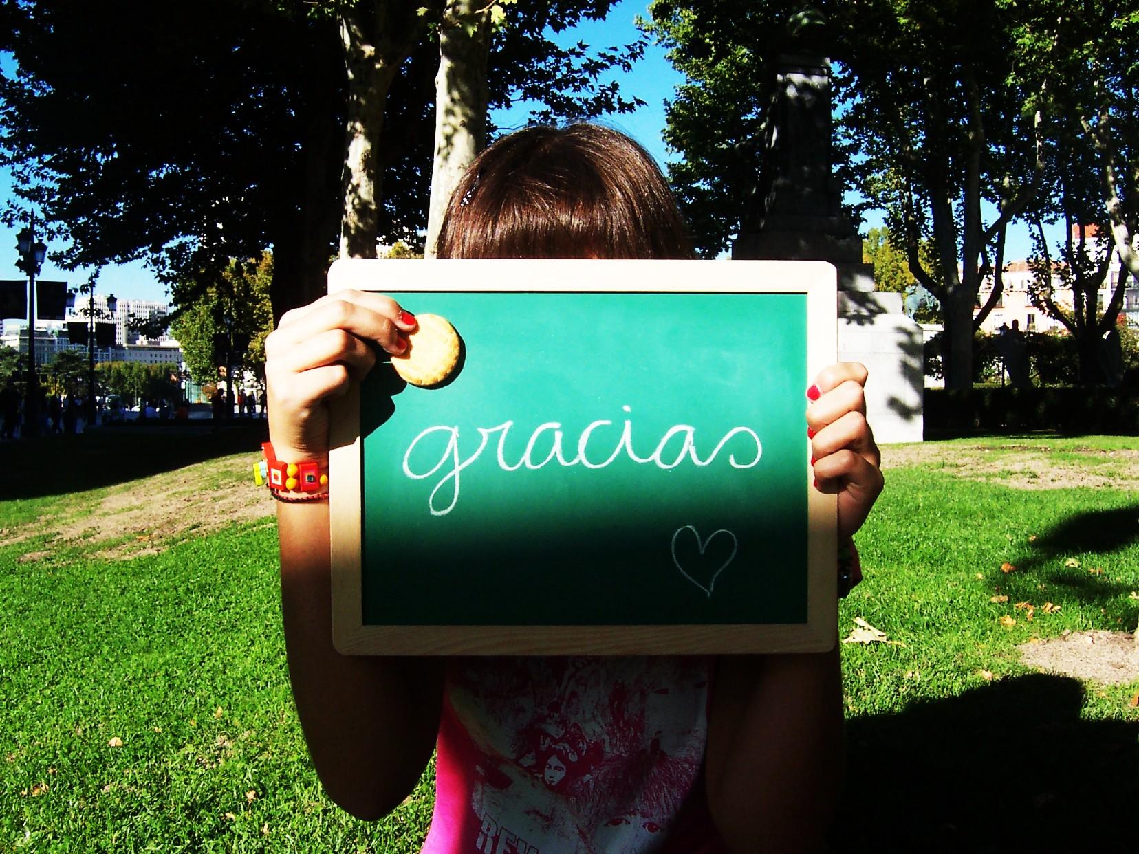 Saludcita ) =  Gracias_by_trescerezas